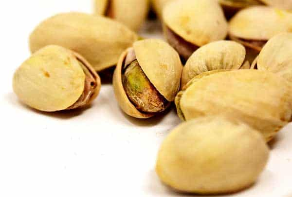 is it ok for cats to eat pistachios?